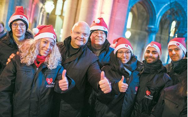 Charitypunsch in der Arkaden des Wiener Rathauses