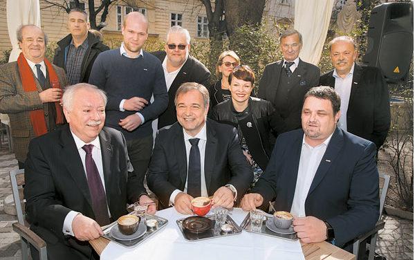 Schanigarten Saison – Eröffnung beim Cafe Diglas im Schottenstift