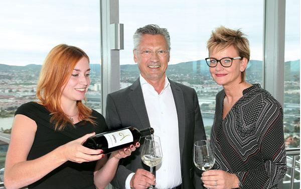Weingut Krispel lädt zur Winzerjausn auf den Donauturm