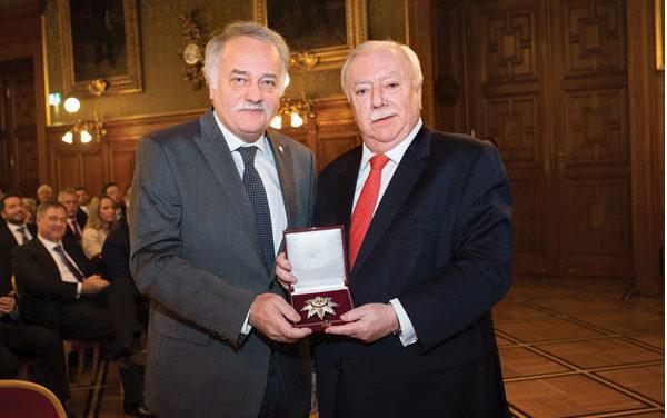 Mag.Heinz Wollinger von Wien's Bürgermeister geehrt
