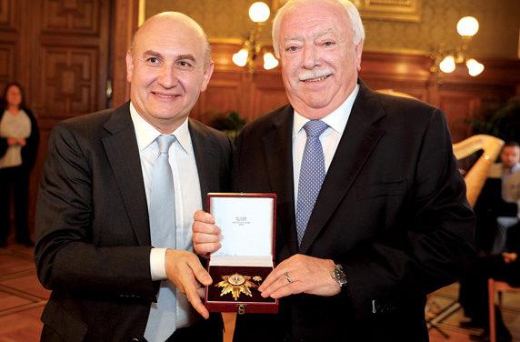 Goldenes Ehrenzeichen für Mag. Ali Rahimi Moghadam