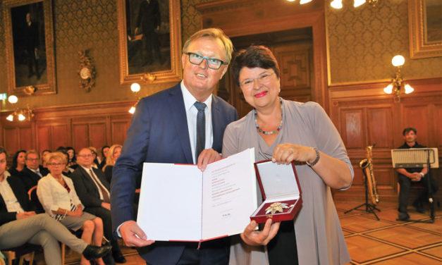 Silbernes Ehrenzeichen für KR Peter Schaider