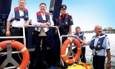 Spektakuläre Einsatzübung auf der Donau