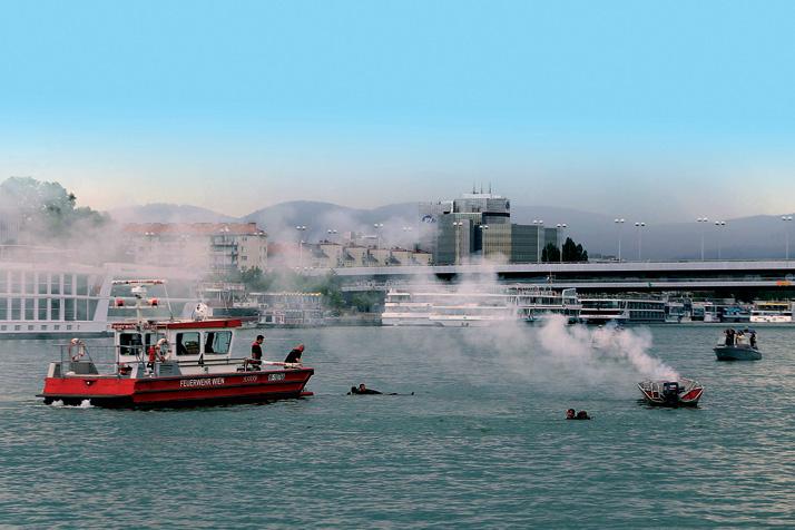 Einsatzübung auf der Donau 2