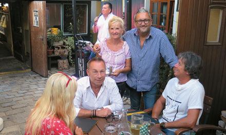 Romantisches Sommerfest beim Hannes