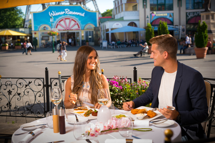 Bild 2-Dinner Terrasse