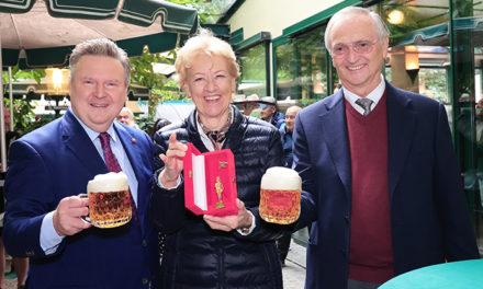 100 + 1 Jahre Familie Karl Kolarik im Schweizerhaus