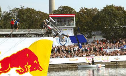 Red Bull Flugtag erobert Wien – eine Legende kehrte zurück